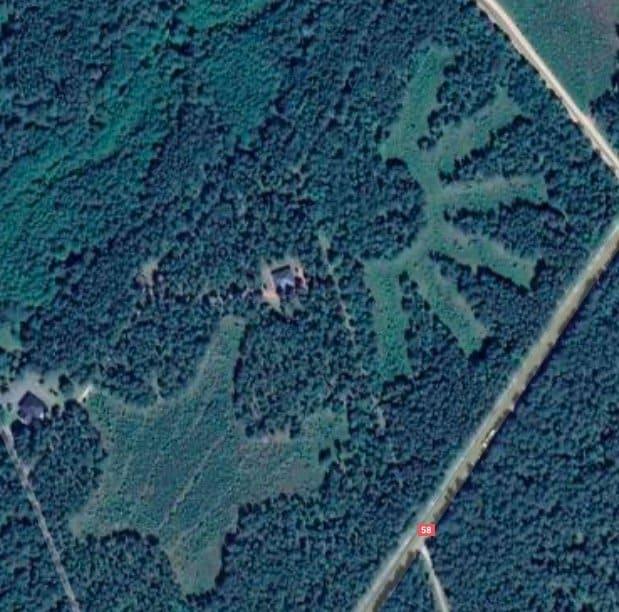 Dzięki Google Maps możemy podejrzeć jak wyglądają tajemnicze i ściśle tajne miejsca w Polsce takie jak np Stare Kiejkuty, Zapraszamy w podróż